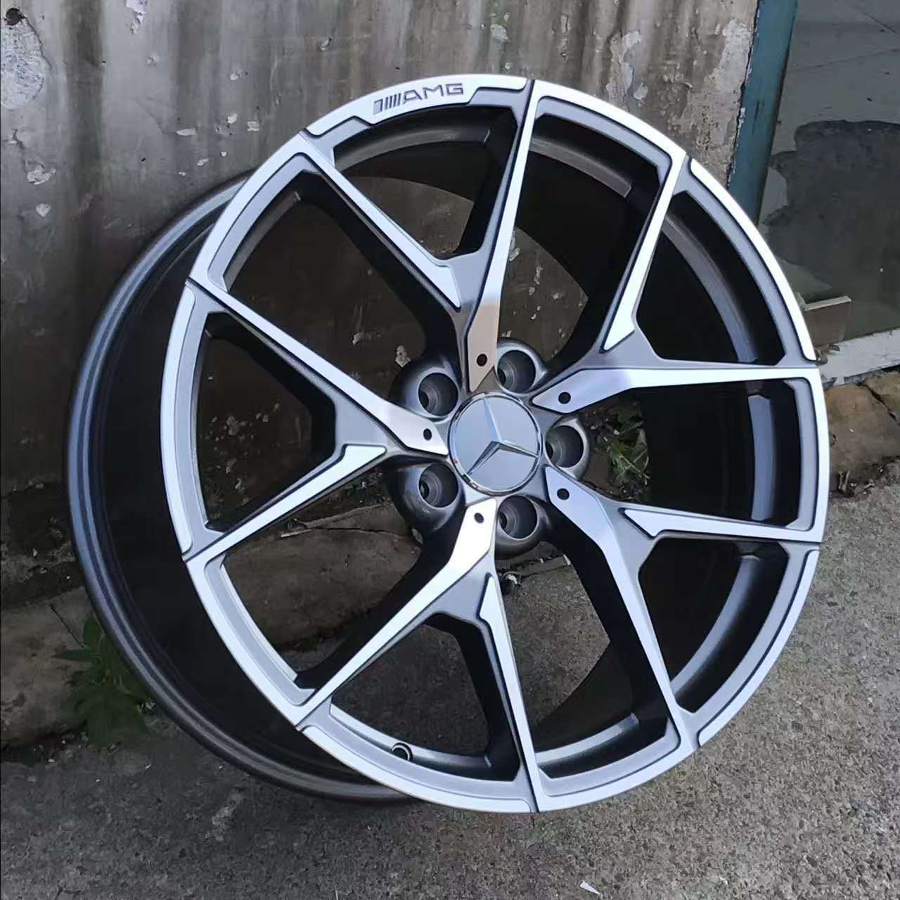 V5 alloy wheels on the car