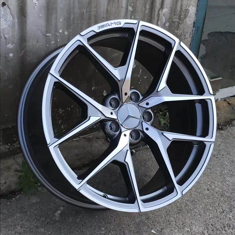 V5 alloy wheels on the car